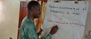 Renforcer la gestion financière et marketing des radios