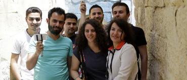 Des journalistesaSyrian journalists trained in mobile-phone film-making syriens se forment à la réalisation de films sur mobiles
